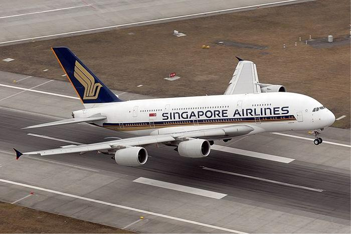 Singapore Airlines Airbus A380 (700x466, 54Kb)